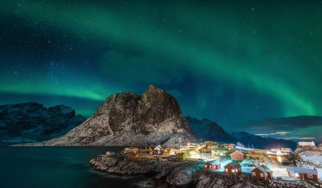 Northern Lights over lofoten islands