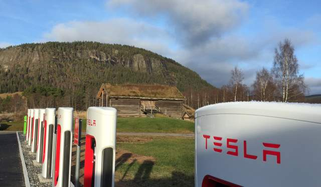 Tesla charging station Bygland