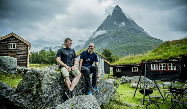 The gay couple Eystein Opdøl and Jan Håvard Knee are the hosts at Renndølsetra in Innerdalen, Fjord Norway
