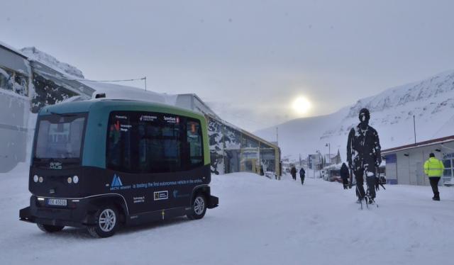 Innen 2024 skal selvdrevne busser bringe turister og lokalbeboere til fjells.