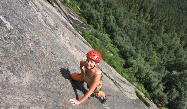 Rock climbing in Valle