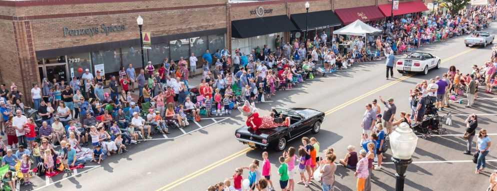 Downtown Overland Park Parade Main Image
