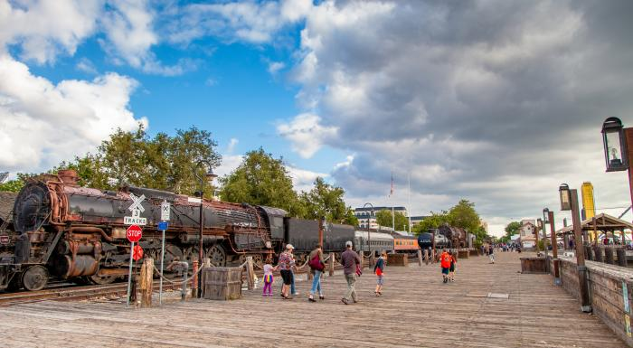 Sacramento Is A The Metropolitan Hub Of Diverse Region With Attractions Ranging From Gold Rush Era Old To Trendy Midtown Area