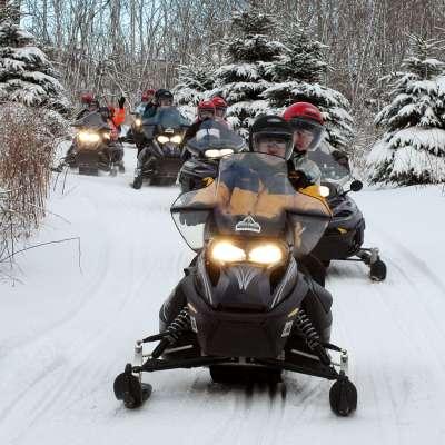 Snowmobile tours2