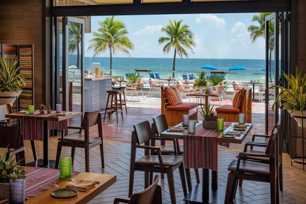 Lona Cocina Oceanfront Terrace