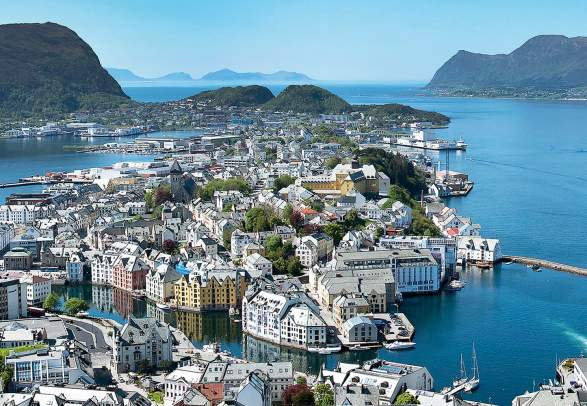 Ålesund from above on a clear summer day