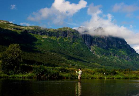 Fly-fishing in Hemsila, Hemsedal