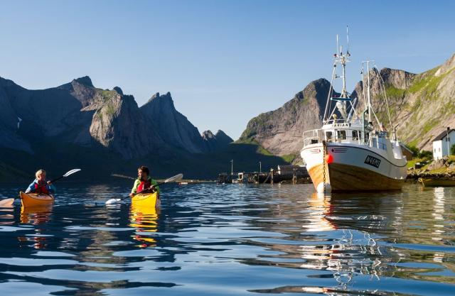 Kayaking in Reinefjorden