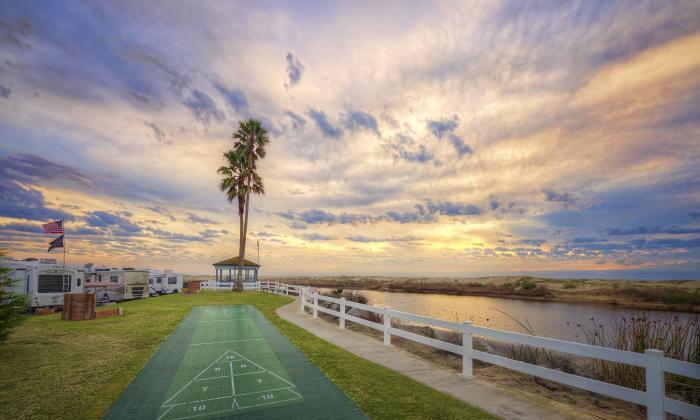 Pismo-Coast-Village_Shuffleboard-Sunset_2017