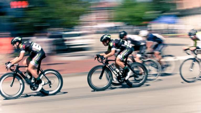 Triathlon bikers