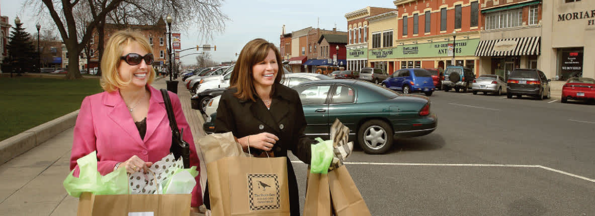 Shopping-Downtown-Crown-Point-Indiana