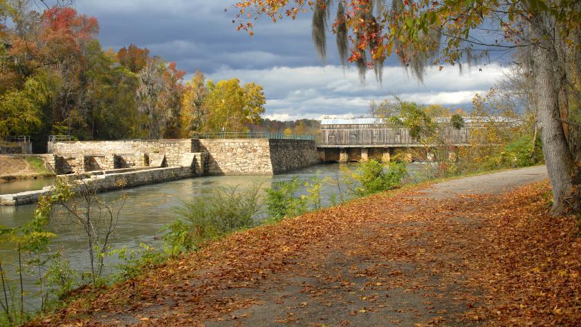 Augusta Canal headgate locks in Autumn