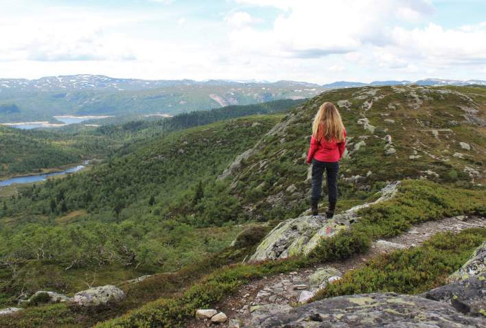Girl hiking in the Setesdal mountains
