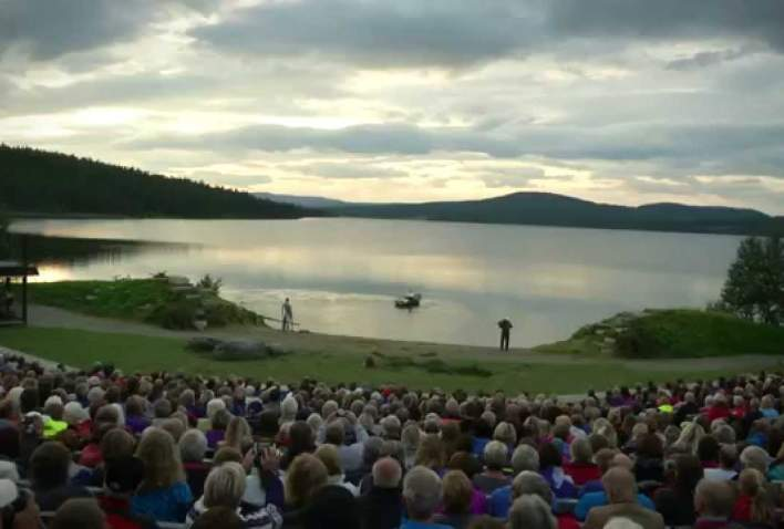 Peer Gynt by lake Gålåvatnet - 2014