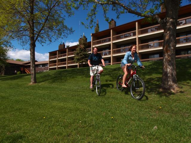 Pedal through Elkhorn Resorts park