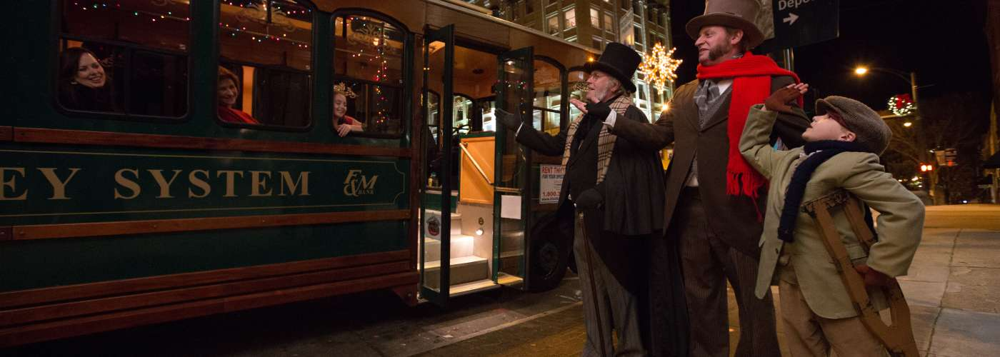Scrooge Holiday Trolley Tour in Salisbury