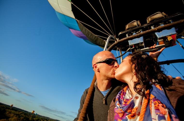 hot air balloon rides for valentines day