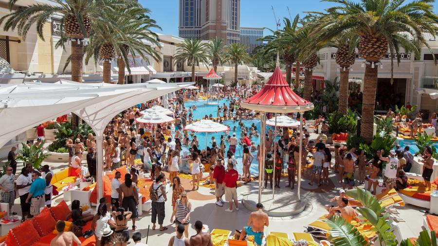 Encore Beach Club If You Re Looking For A Party Then Bound To Have The Time Of Your Life Here This Place Is Staple Among Pool Scene