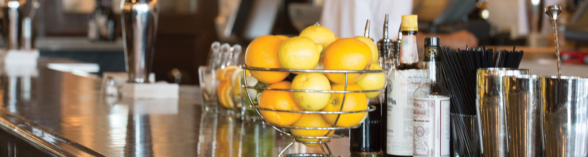 Bar with Lemons