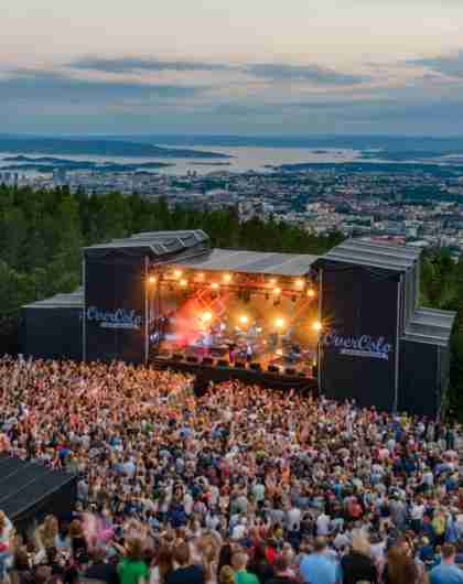 Crowd listening to a concert at the OverOslo festival