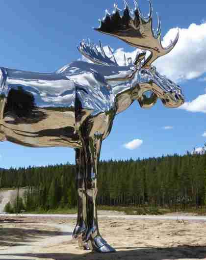 The statue Storelgen (The Big Elk) at Bjøråa rest area in Norway