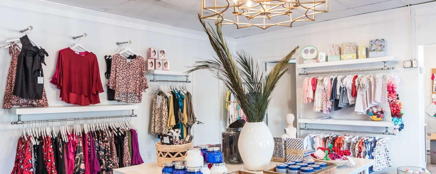 store_interior_La_Roque