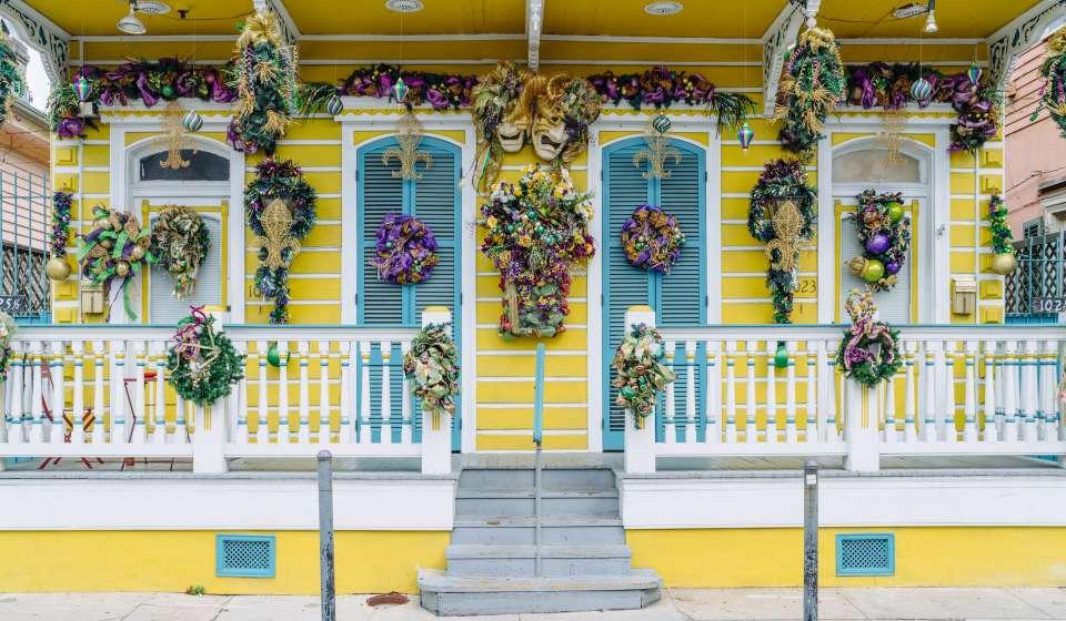 St. Ann Street - French Quarter Mardi Gras decorations 2017