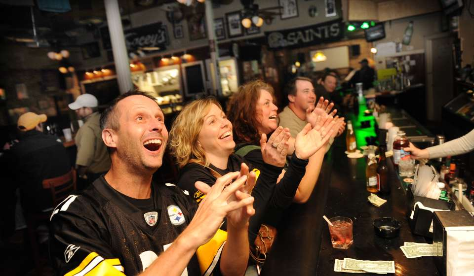 Saints Fans at Tracey's