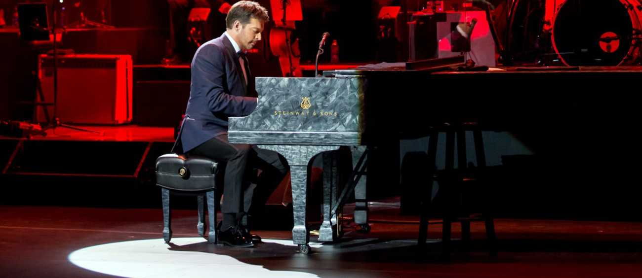 A photo of Harry Connick Jr.