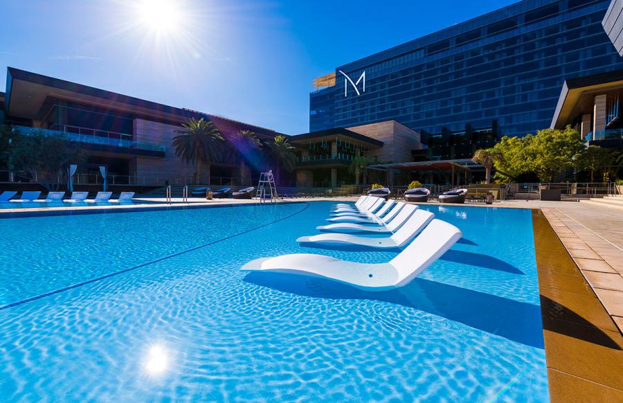 Las Vegas Pool Guide   Spring/Summer 2019
