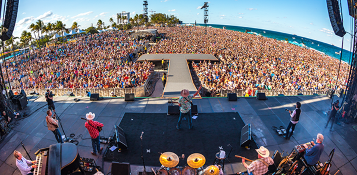Band Playing In Front Of A Large Crowd At The Tortuga Music Festival In Ft. Lauderdale, FL