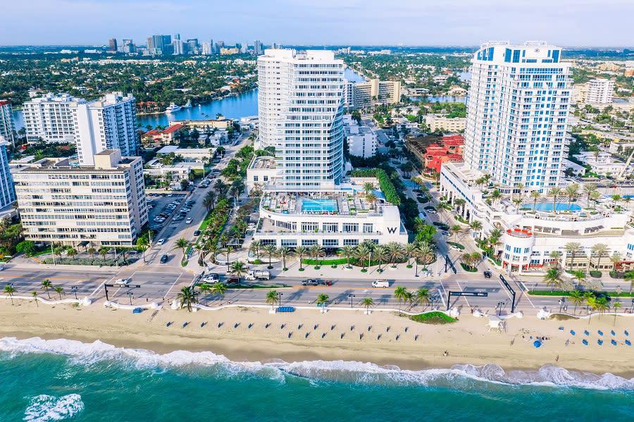 Aerial photo of W Fort Lauderdale looking west