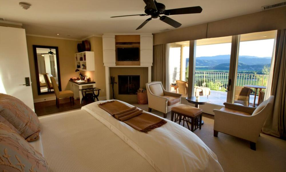 There Are Hotels That Offer Vistas Of Redwoods Or Rolling Hills The Golden Gate Bridge And Here In Wine Country
