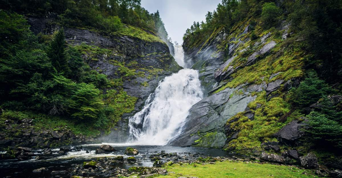 Waterfalls | 10 of the world's highest falls are in Norway