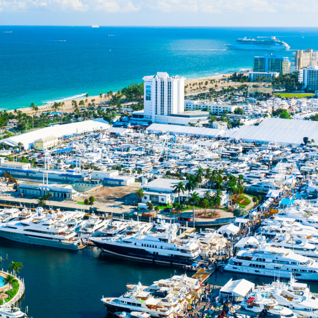 Aerial view of Fort Lauderdale's Intracoastal Waterway