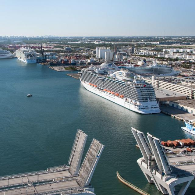 Fort Lauderdale Port >> Port Everglades Find Fort Lauderdale Cruise Info Facts