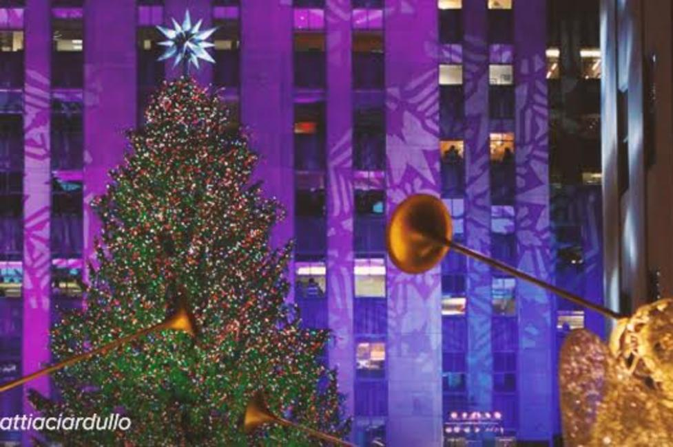 30 Rock Tree Lighting