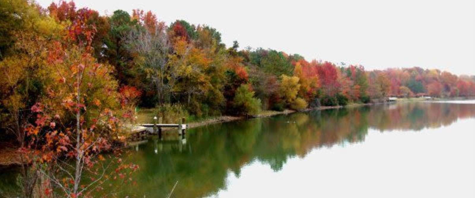 Oak Grove Lake Park in the Fall