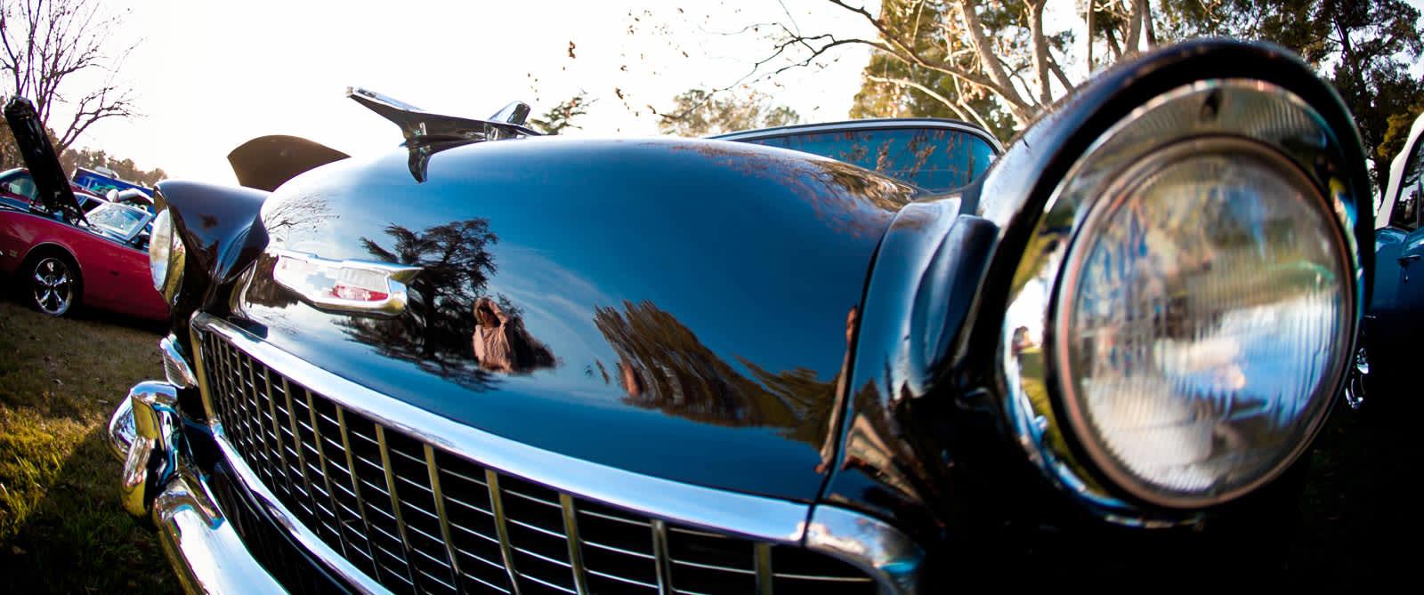 black-antique-car