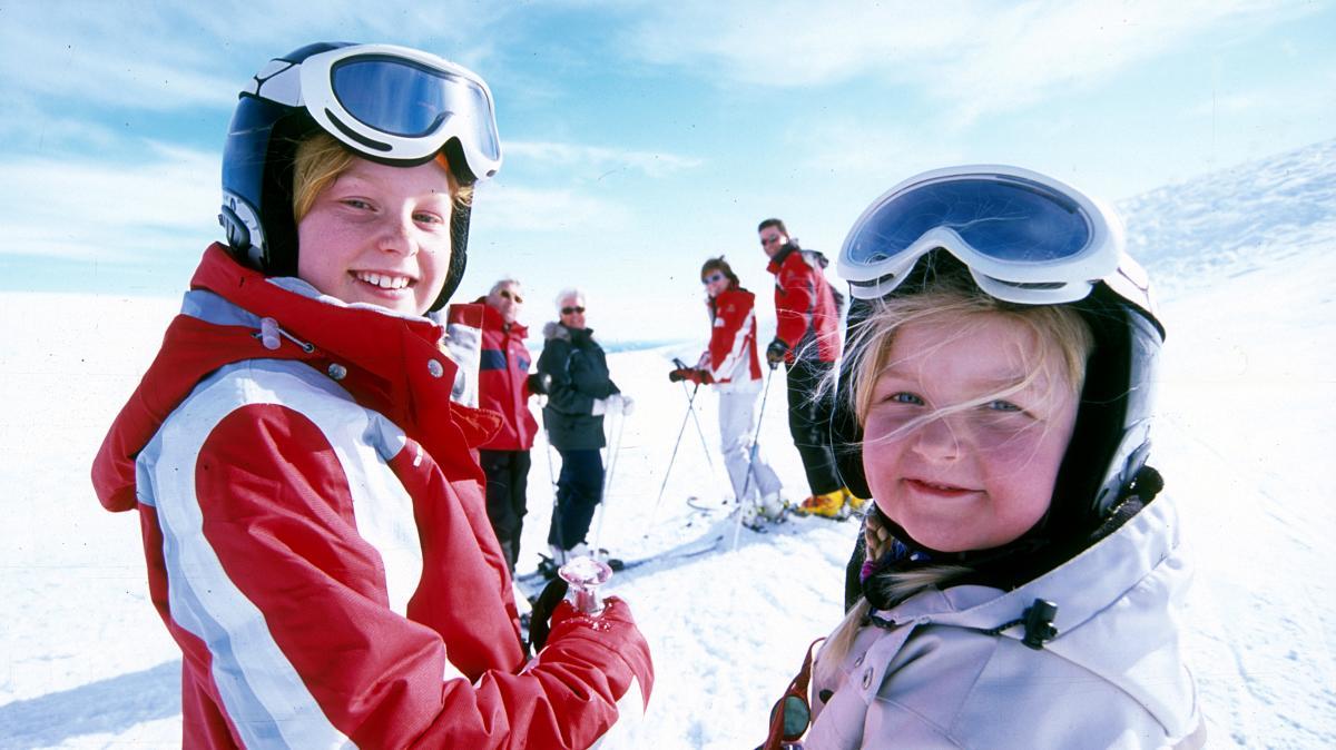 Children alpine skiing in Trysil, Eastern Norway