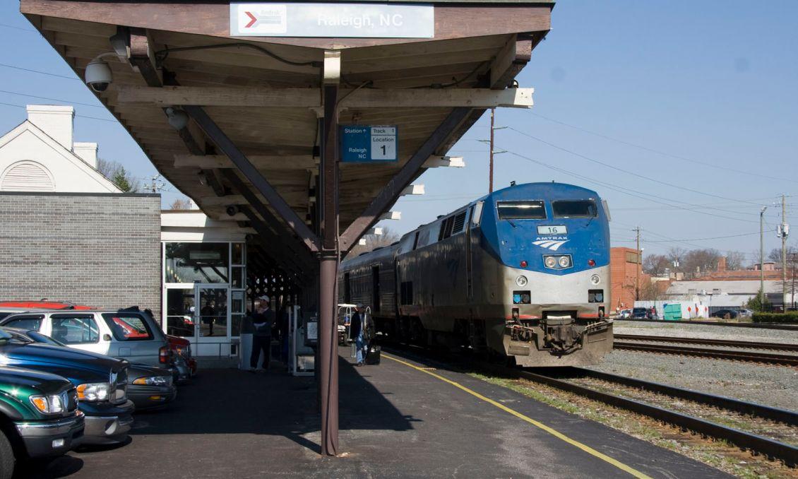 Amtrak_Carolinian_Stopped_at_Raleigh_NC-196.jpg