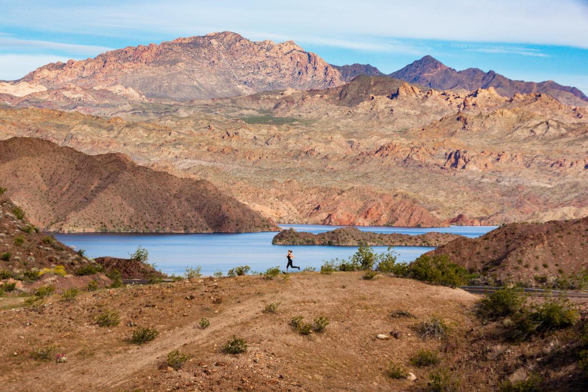 Jogger Lake Mead Laughlin