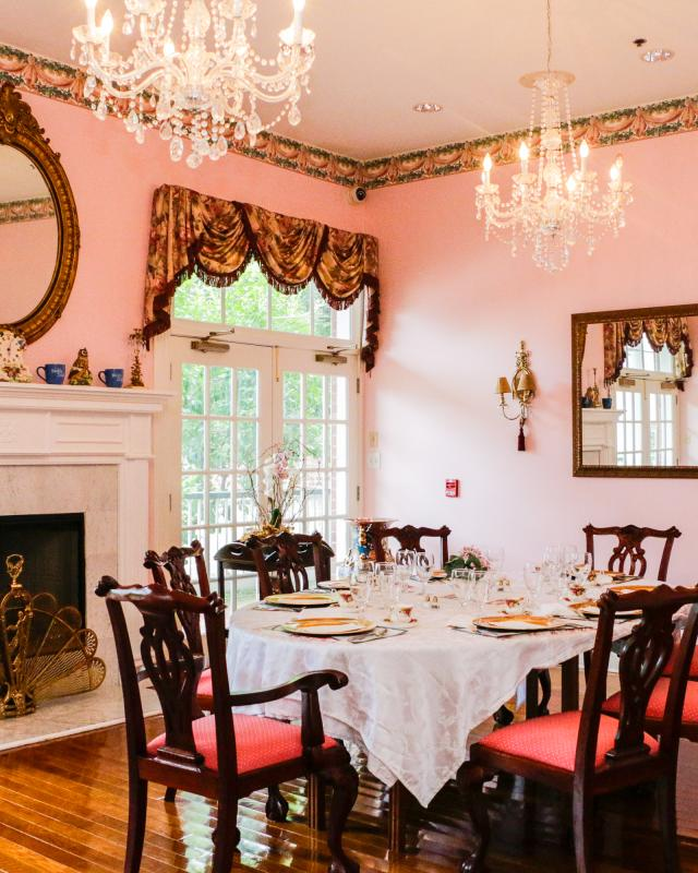Mansion Dining Room: Black-Owned Businesses In New Orleans