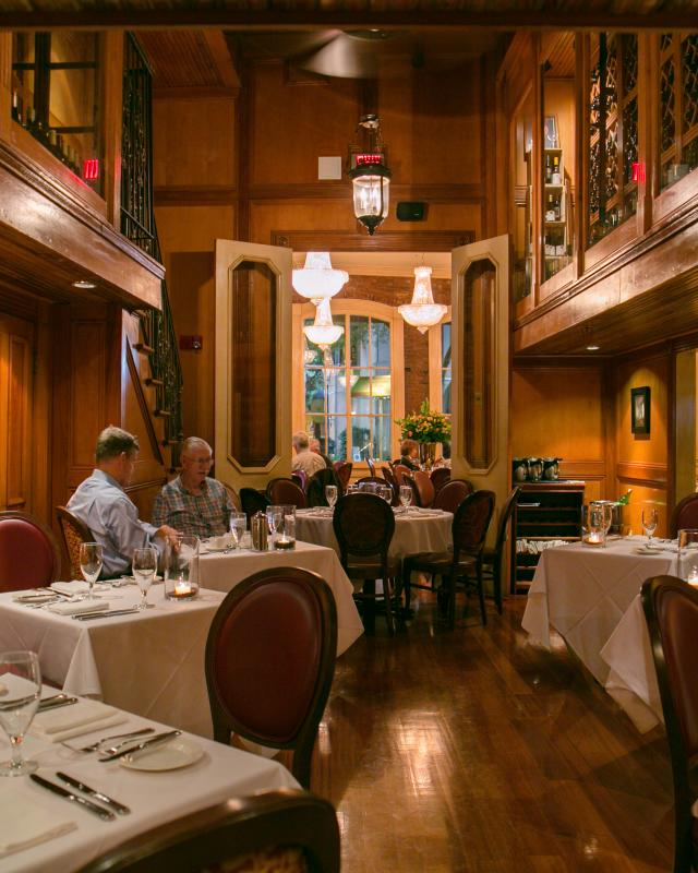 Clic New Orleans Tails Restaurant August