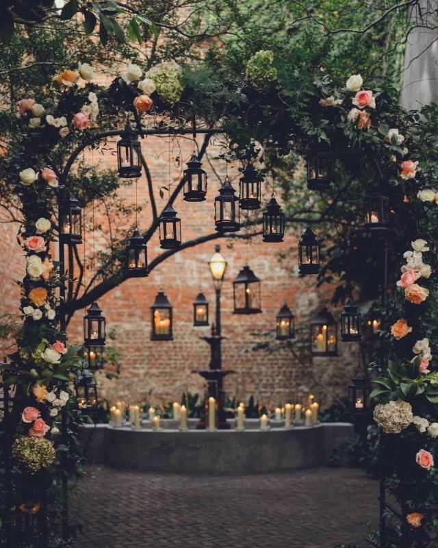 Clic New Orleans Tails Wedding Florist Archway