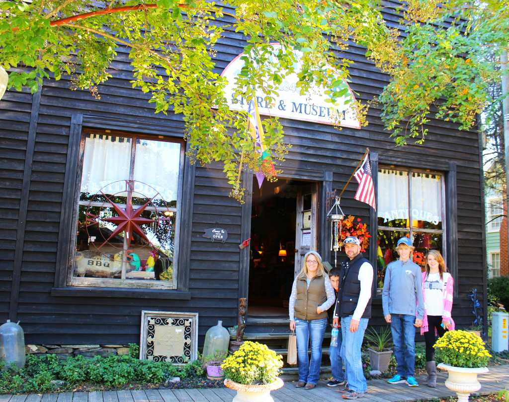 Customers shopping at Mauney's Store in Gold Hill