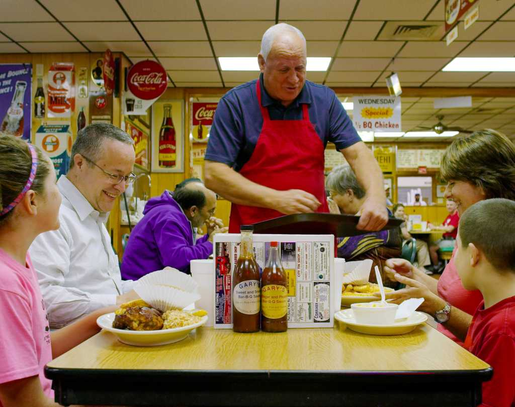 Family eating at Gary's BBQ in China Grove