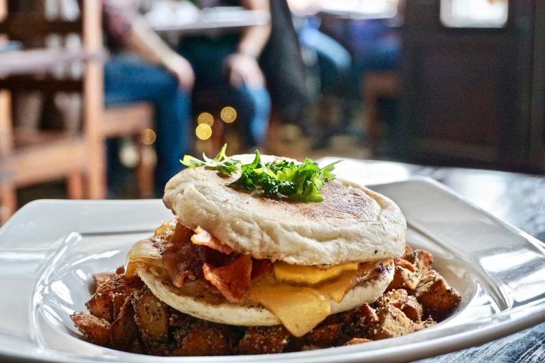 Graydon's Crossing provides a diverse menu of brunch cocktails and brunch dishes with a twist.