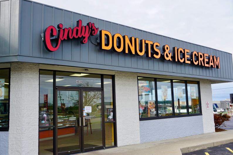 Exterior of Cindy's Donuts & Ice cream in Grand Rapids
