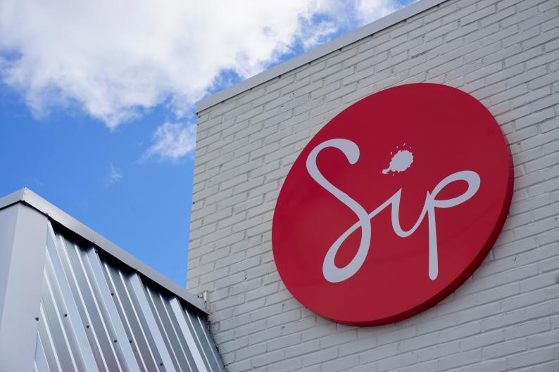 Sip Organic Juice Bar hosts workshops and events centering on wellness.